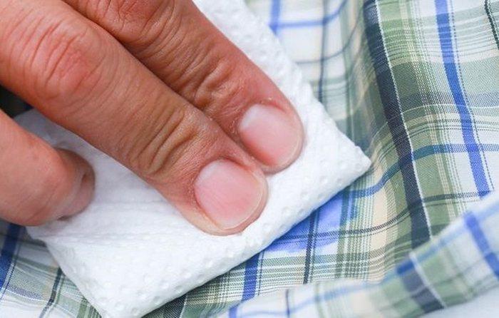 Как убрать стразы с одежды без следов в домашних условиях?