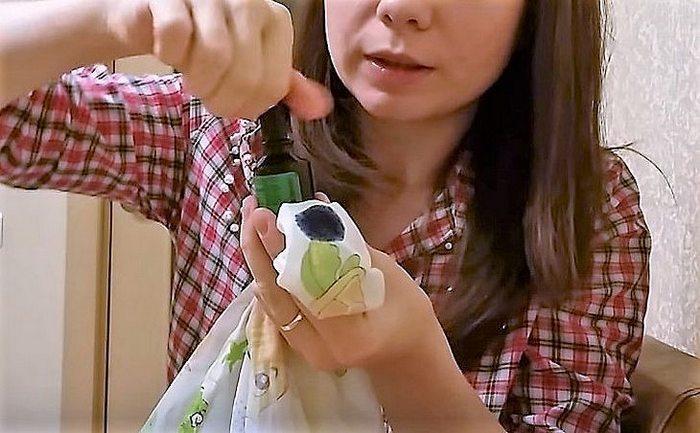 Как отстирать зеленку с одежды