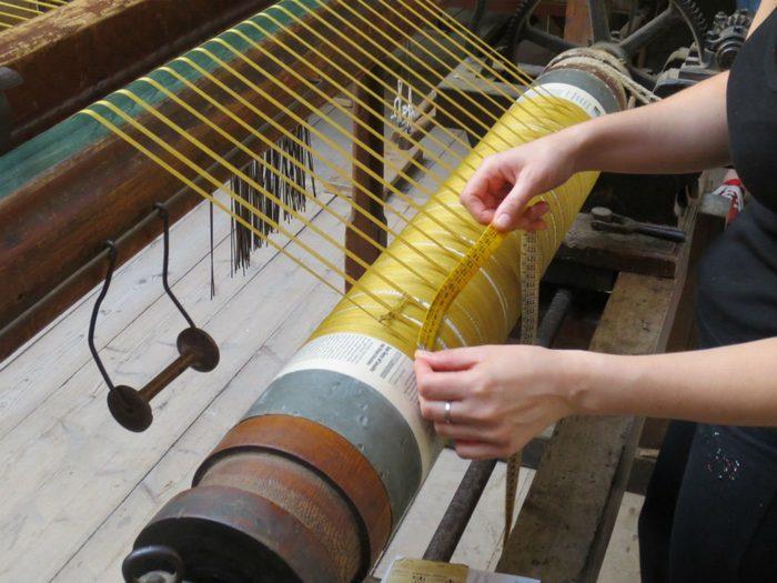 Производство бархатной ткани