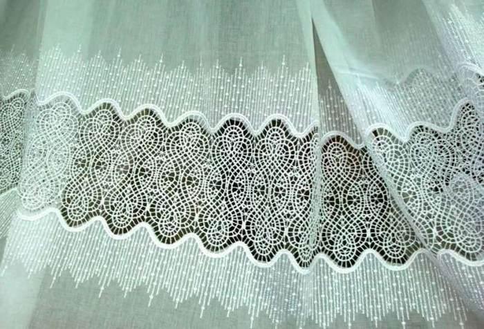 Тюль батист с вышивкой