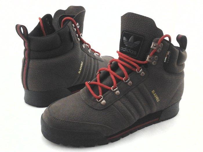Обувь фирмы адидас из ткани кордура