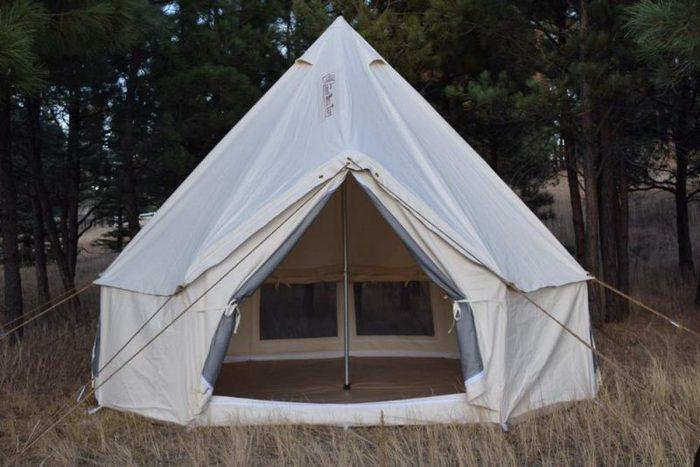 Туристическая палатка из канваса