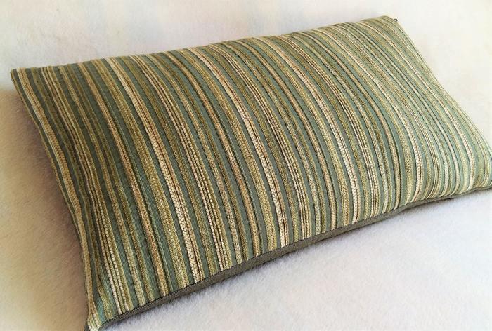 Декоративная подушка из поливискозы