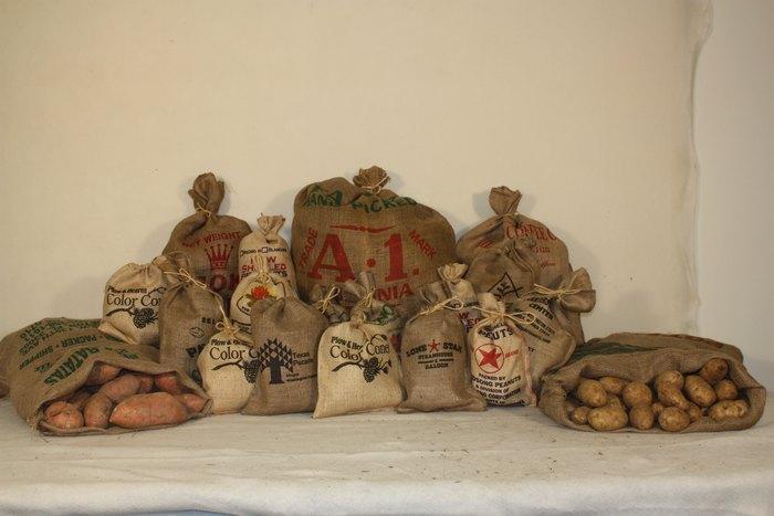 Из мешковины изготавливали тару для различных сыпучих продуктов