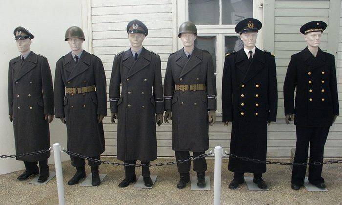 Военная форма из шинельного сукна