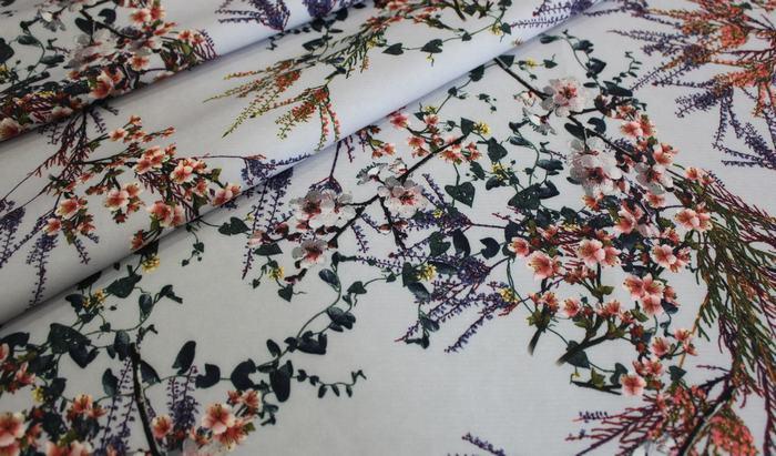 Костюмная ткань Барби растительный принт