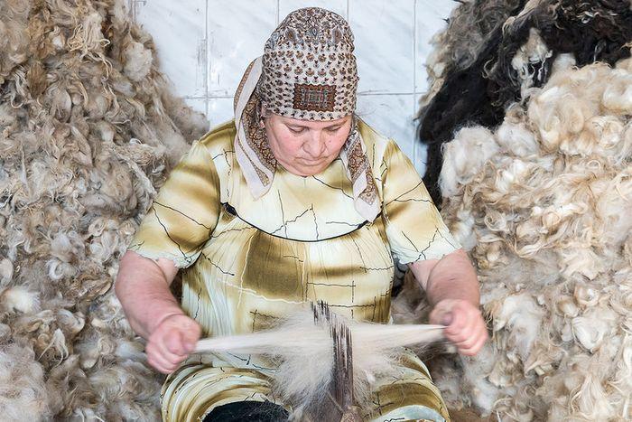 Переработка шерсти вручную