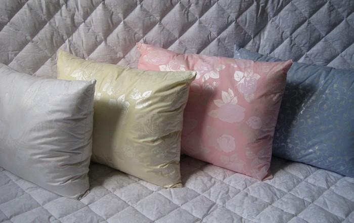 Подушка для сна, ткань тик, наполнитель - искусственнный лебяжий пух