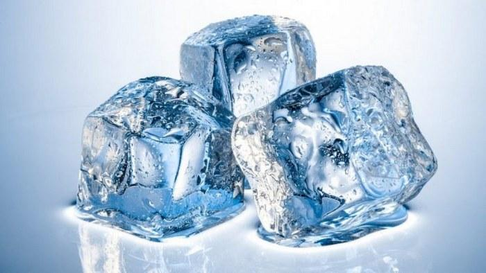 Для охлаждения прикладывают лед