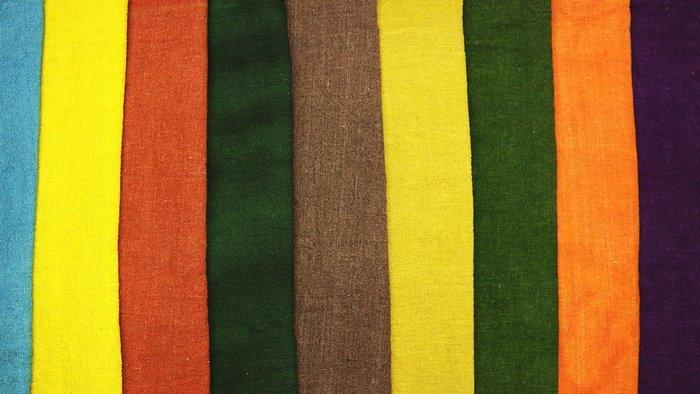 Конопляная ткань ручного ткачества окрашена вручную натур красителями