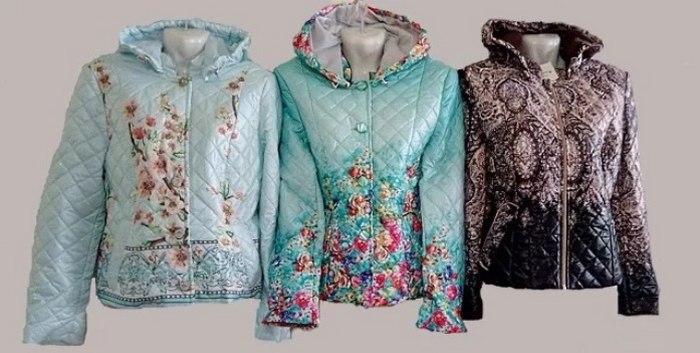 Женские куртки из стеганой принтовоной ткани