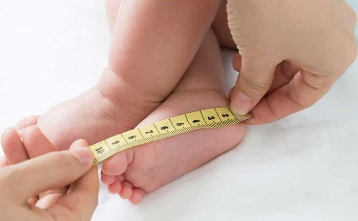 Как узнать какой размер ноги у месячного ребенка