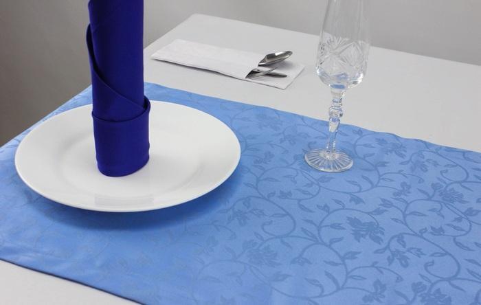 Голубая дорожка с рисунком веточек из ткани журавинка