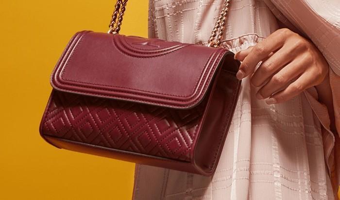 Женская сумочка из натуральной кожи фото