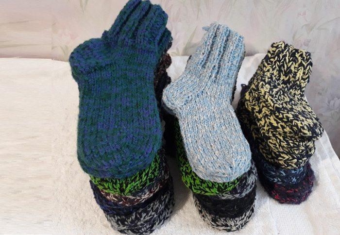 Вязаные шерстяные носки, фото