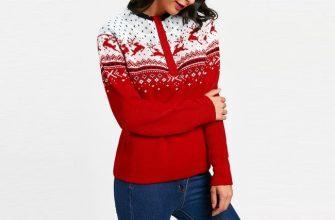Женский свитер с оленями, фото