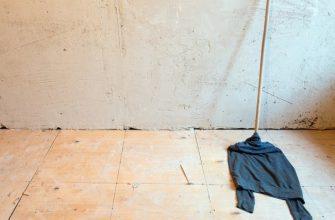 Можно ли мыть полы старой одеждой, фото