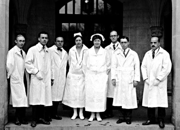 Появление белого халата у врачей в конце девятнадцатого века, фото