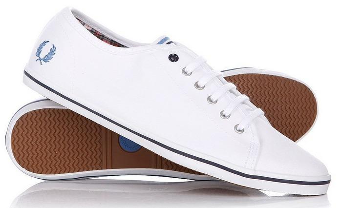 Теннисные туфли обувь, фото