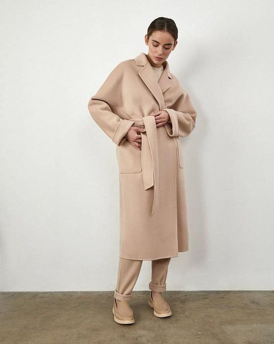 Женское пальто-халат, фото