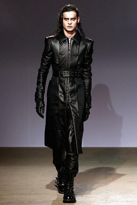 Мужская одежда в готическом стиле, фото