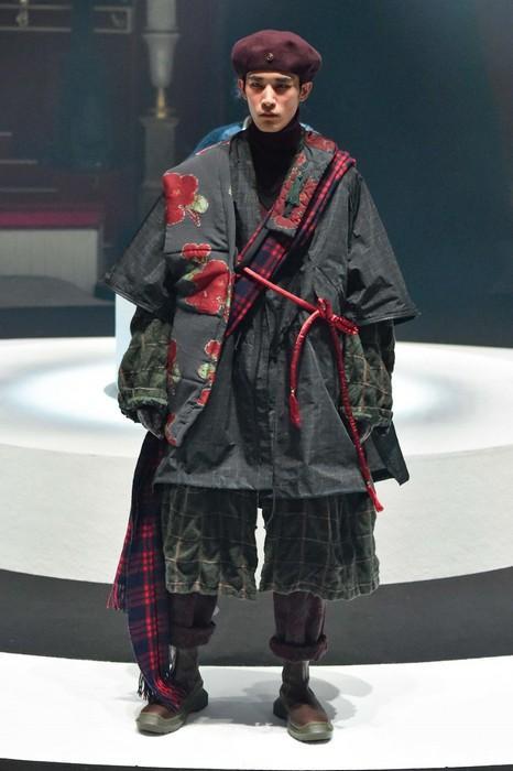 Мужская одежда в стиле авангард, фото