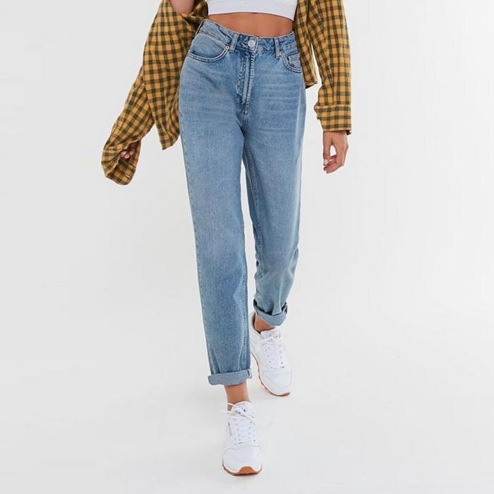 Вид джинсов basic для женщин, фото