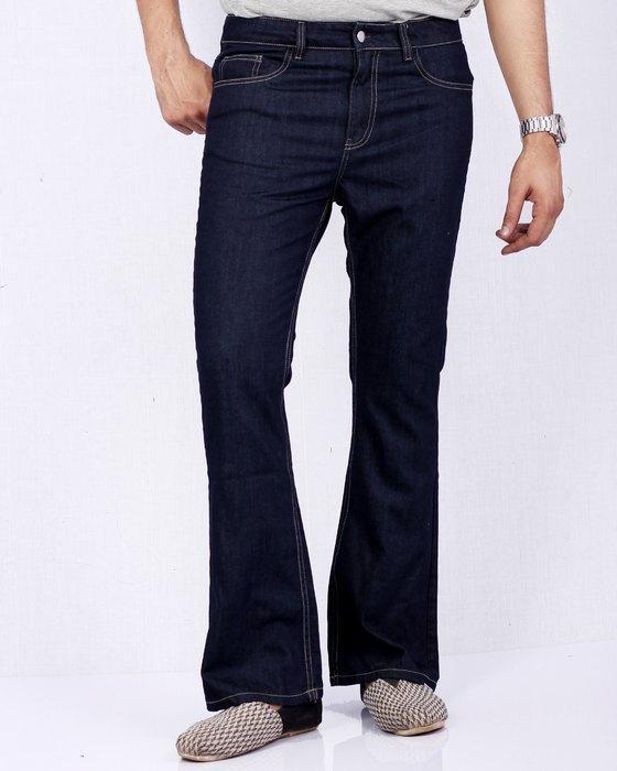 Вид джинсов Bell Bottom для мужчин, фото