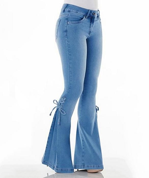 Вид джинсов Bell Bottom для женщин, фото
