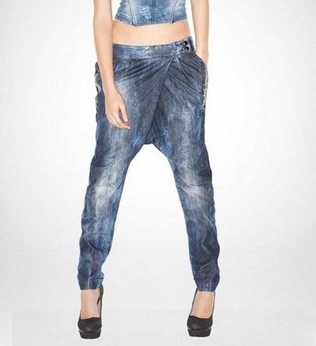 Вид джинсов Галифе для женщин, фото