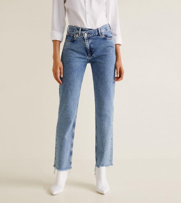 Вид джинсов Straight Fit для женщин, фото